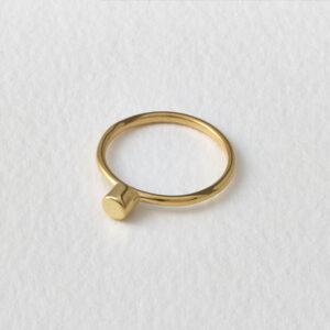 Dot Ring. Gold.
