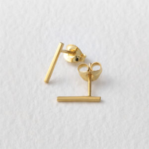 Thin Wire Studs. Gold.